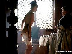 فتاة عارية في فيلم سكس ايراني كامل الحمام
