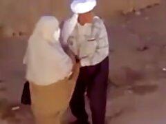 فيديو جماعي مع عاهرة شابة افلام سكسيه ايرانيه